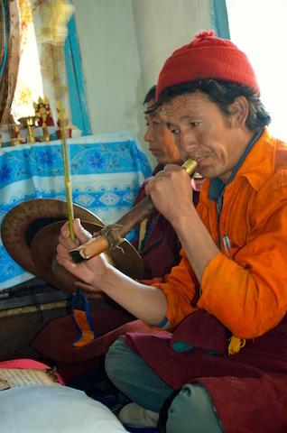 Moment de culte / Népal