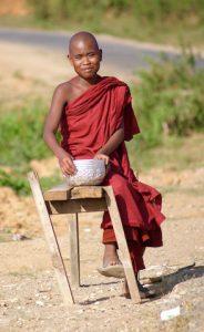 voyager moine bouddhiste familyevasion