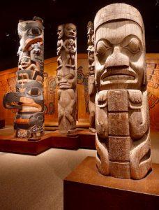 Totem Musee de Victoria