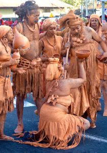 Hommes argiles Carnaval