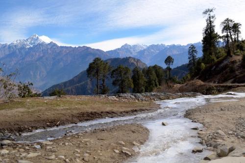 Cours d'eau glacé Vallée de Langtang