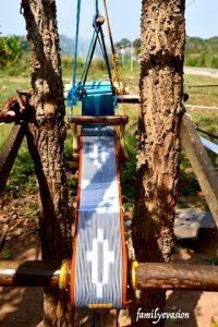 Metier a tisser - couleurs ivoiriennes