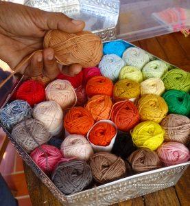 Pelote de laine - poupee