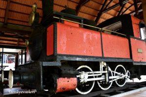 Machine a vapeur - rails a Sainte-Marie