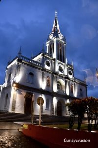 Eglise du Lamentin, la nuit