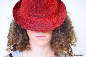 Ivane chapeau - etudiante confinee