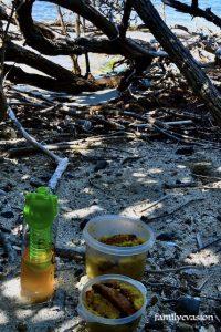 Repas sur le sable